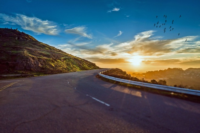 winding-road-1556177_960_720